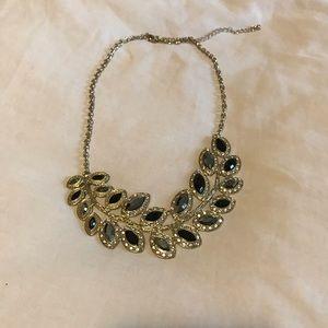2/25$ 🎀 Aldo necklace